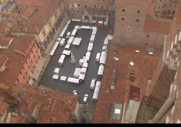 20131103-webcam-piazza-dante-mercatino-autunno