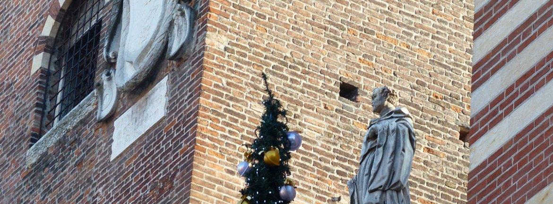 Albero di Natale in Piazza dei Signori a Verona
