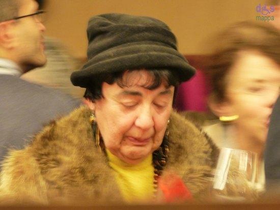 20131211-Signora-al-rinfresco-dopo-concerto-Verona