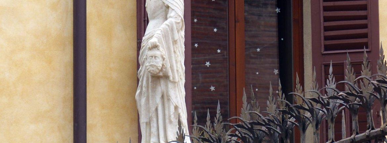 20131227 Statua con decapitato Arche scaligere Verona