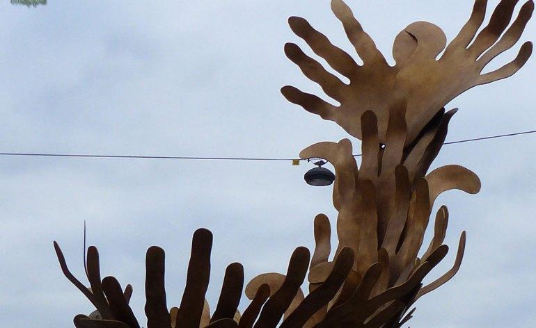 20131228 cleseup monumento vortice amore fevoss verona