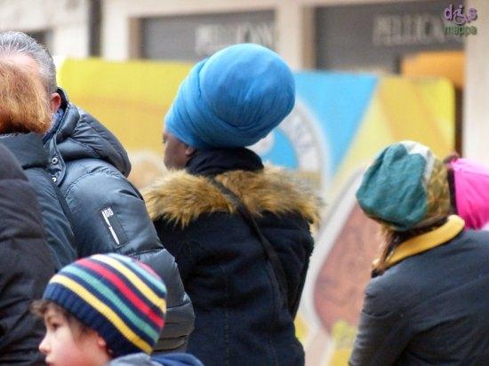 20140103 cappelli piazza erbe turisti verona