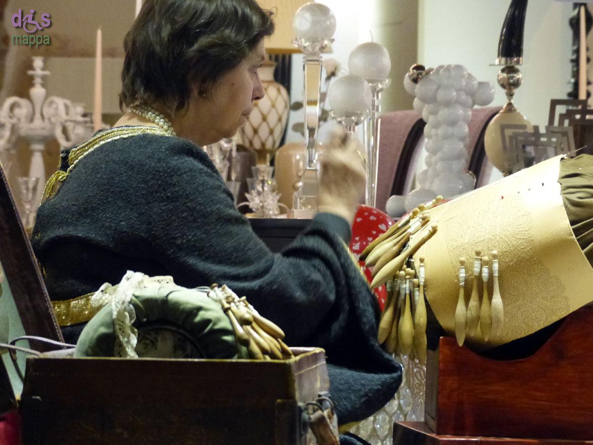 20140214 Tombolo costume epoca Giulietta vetrina Verona
