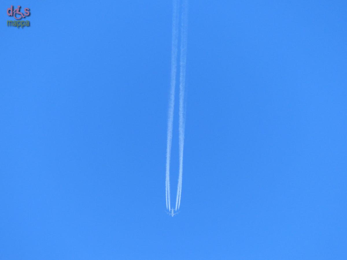 20140223 Scie aereo cielo Piazza Bra Verona