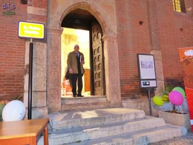 L'entrata principale con gli scalini