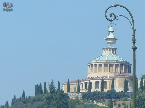 20140420 Santuario Lourdes lampione Verona