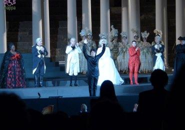 Un ballo in maschera di Giuseppe Verdi all'Arena di Verona: applausi per il direttore d'orchestra Andrea Batistoni