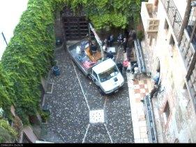 Inizia il trasferimento della statua di Giulietta a Verona