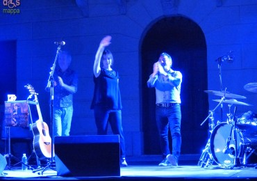 Concerto di Suzanne Vega a Villa Venier con Doug Yowell alla batteria e Gerry Leonard alla chitarra per Verona Folk