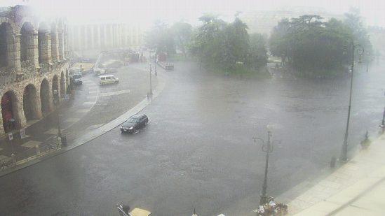 20140721-Temporale-pioggia-Arena-Piazza-Bra-Verona