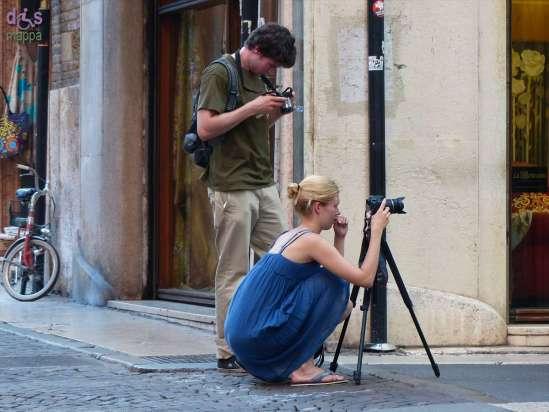 20140801 Turista fotografa Verona