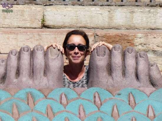 20140806 Anne Marie piedi sfinge Aida Arena Verona 5