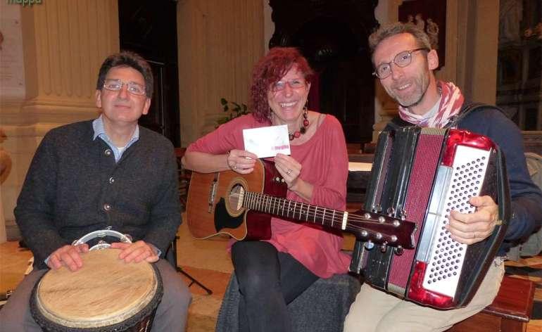 Gli amici del Nardo Trio (Roberto Alberti, Dario Righetti e Cristina Ribul Moro) testimoni di accessibilità...cantata e suonata