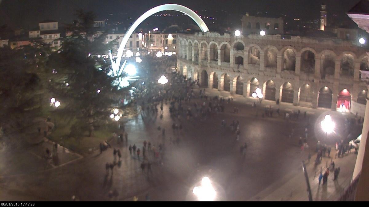 20150106 Brusa la vecia Piazza Bra Verona 02