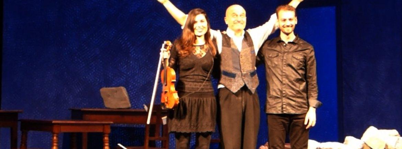 Teatro Nuovo gremito e tanti applausi per Claudio Bisio e i musicisti Laura Masotto e Marco Bianchi nella commedia Father and Son