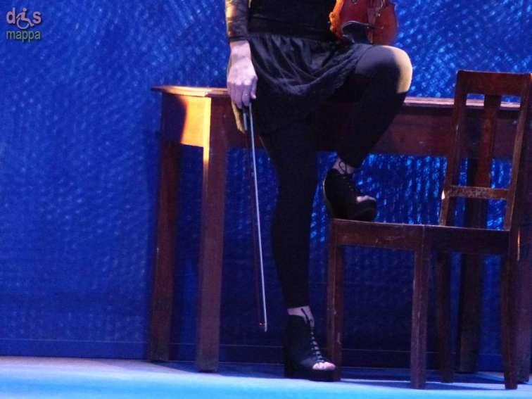 Teatro Nuovo di Verona, Rassegna Divertiamoci a teatro Father and Son regia Giorgio Gallione ispirato a Gli sdraiati e Breviario comico di Michele Serra con Claudio Bisio con i musicisti Laura Masotto (violino),Marco Bianchi (chitarra) regia Giorgio Gallione