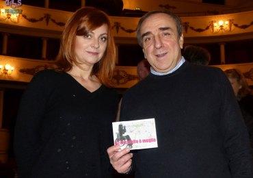 Gli attori Marina Massironi e Silvio Orlando, al Teatro Nuovo di Verona con La scuola, testimoni di accessibilità per dismappa