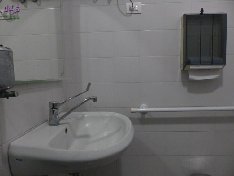 All'interno del Centro Internazionale di Fotografia Scavi Scaligeri è disponibile un bagno riservato (purtroppo inspiegabilmente SOLO) alle persone con disabilità, accessibile e attrezzato. E' a livello degli Scavi, quindi si raggiunge prendendo il montascale.