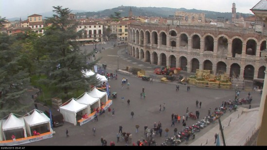 20150503 wings for life webcam Verona motoraduno