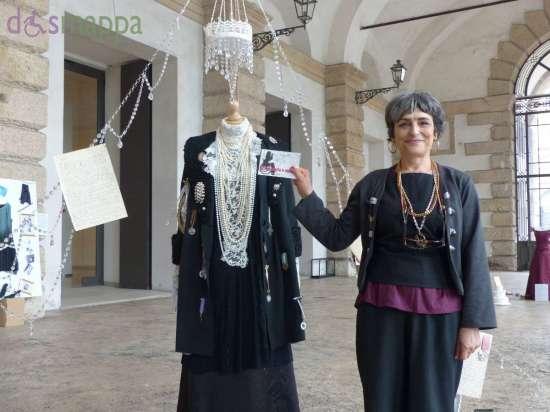 """Angela Pierri testimone di accessibilità per dismappa alla sua mostra """"Gli abiti raccontano"""" Testo proveniente dalla pagina: Angela Pierri per Accessibile è meglio http://www.dismappa.it/angela-pierri-per-accessibile-e-meglio/"""
