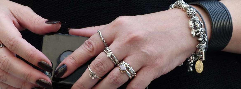 le mani di Elisabetta Fadini