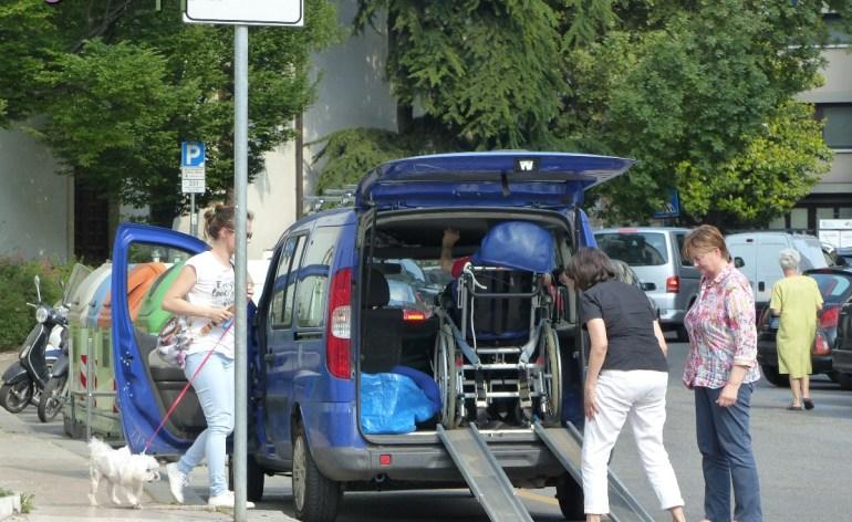 20150518 Parcheggio disabili via Adigetto Verona accessibile dismappa 4