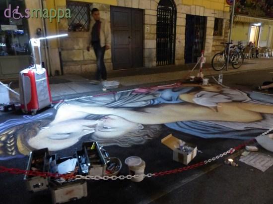 Tra le bancarelle della Festa di San Zeno anche questa artista del gessetto - dismappa Verona
