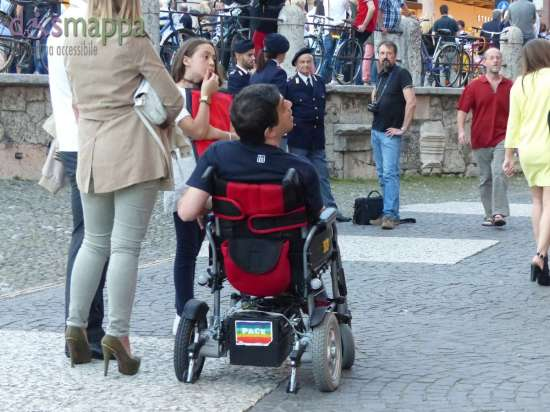 20150601 Adesivo Pace carrozzina elettrica Verona 3