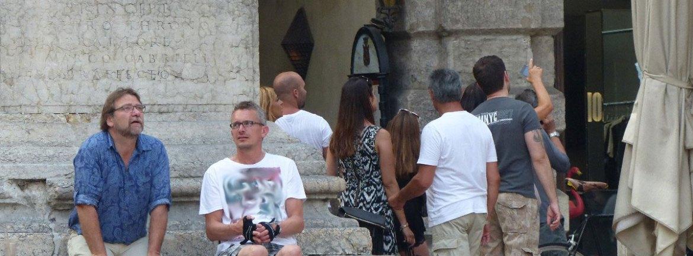20150606-Disabile-carrozzina-Piazza-Erbe-Verona-dismappa