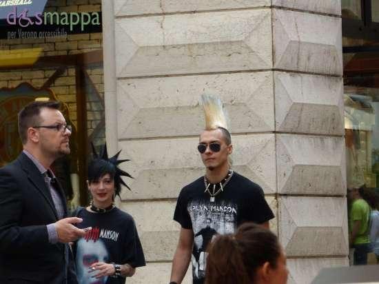 20150620 Coppia punk Verona dismappa