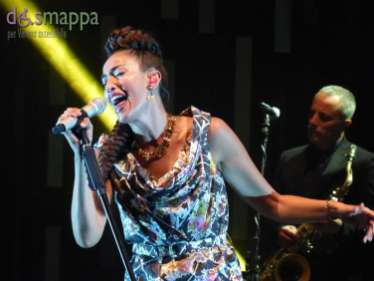 20150620 Nina Zilli Frasi Fumo Tour Verona dismappa 671