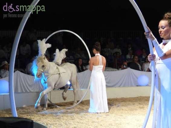 20150625 White teatro equestre Verona dismappa 620