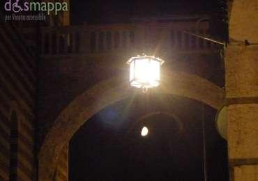 20150725 Luna Costa Piazza delle Erbe Verona notte dismappa