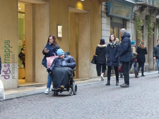 20160209 Guendy carrozzina Corso Porta Borsari Verona dismappa