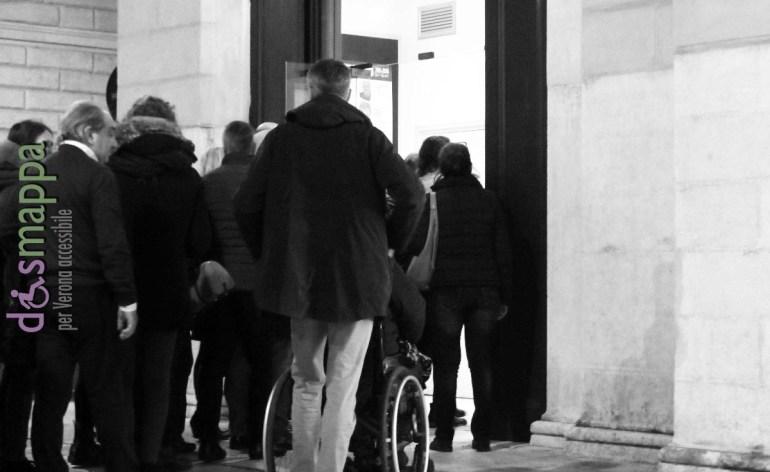 20160223 Spettatore disabile carrozzina Teatro Nuovo Verona 132