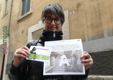 Alessandra Bari, architetto e giornalista, testimone di accessibilità per dismappa con la rivista dell'Ordine degli Architetti di Verona, che contiene l'articolo su dismappa e casa dismappa Alessandra è tra le fondatrici di URBANSLOW, un collettivo analogico di osservazione e ricerca legata al paesaggio urbano.