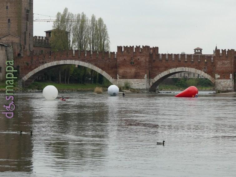 20160401 Franco Mazzucchelli sculture gonfiabili Adige Verona dismappa 332