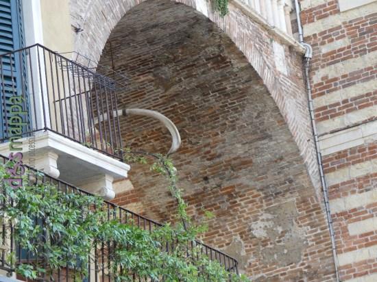 20160508 Costa Piazza Erbe Verona dismappa 752