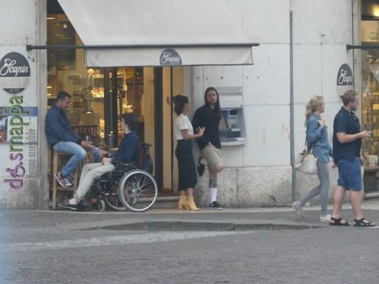 20160508 Ragazzo disabile carrozzina scalino Verona dismappa 02