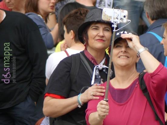 20160601 Selfie fan Renato Zero Arena Verona dismappa 456