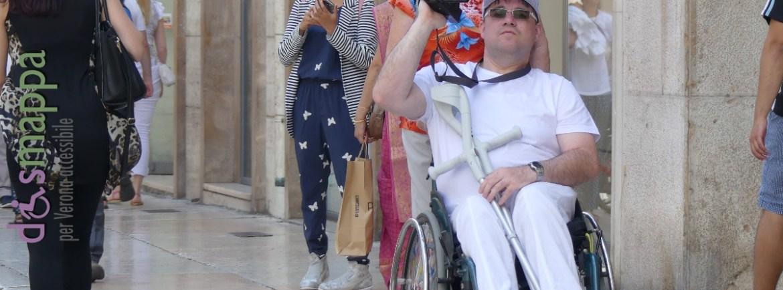20160606 Turista disabile carrozzina videocamera Verona dismappa 2