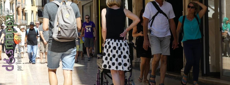 20160825 Donna sedia a rotelle via Mazzini Verona dismappa 5