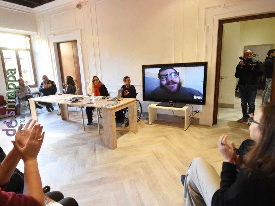 Iacopo Melio a Casa dismappa in videoconferenza alla presentazione del festival non c'è differenza