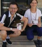mirco e silvia della caffetteria dersut testimoni di accessibilità sulla nuova rampa disabili della caffetteria dersut di piazza nogara a verona