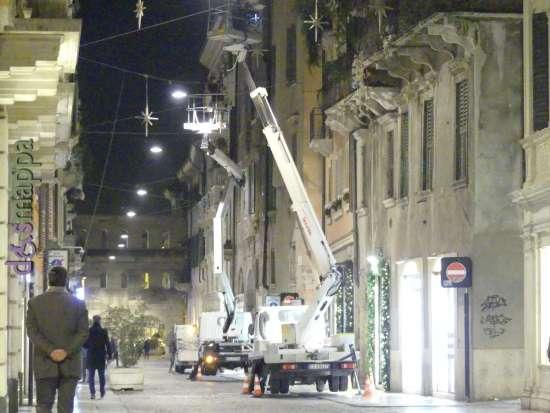 20171116 Installazione luminarie Natale aa Verona ph dismappa 368