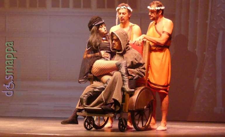 20171121 Lillo Greg carrozzina Teatro Nuovo Verona ph dismappa 800