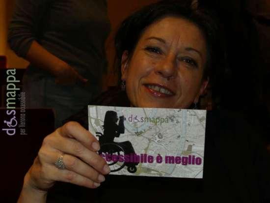L'attrice Giuliana Musso testimone di accessibilità per dismappa dopo lo spettacolo Mio eroe al Teatro Ristori di Verona.