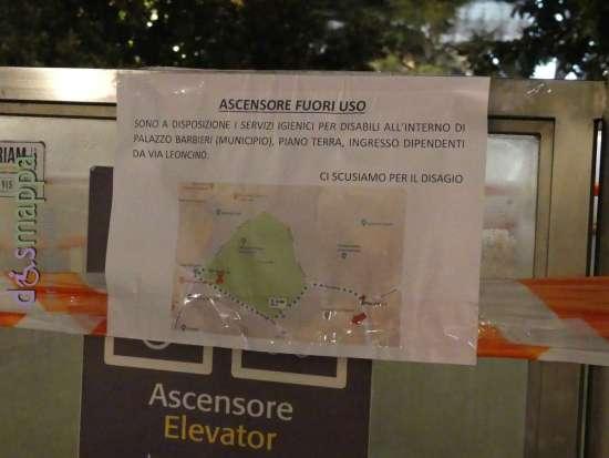 Il guasto all'ascensore dei bagni pubblici di Piazza Bra non permette alle persone con disabilità motoria di accedere, in attesa della riparazione viene messo a disposizione il bagno a piano terra di Palazzo Barbieri (dall'entrata dipendenti di via Leoncino).