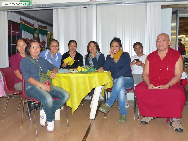 Cena tibetana per Karuna Home for the Disabled