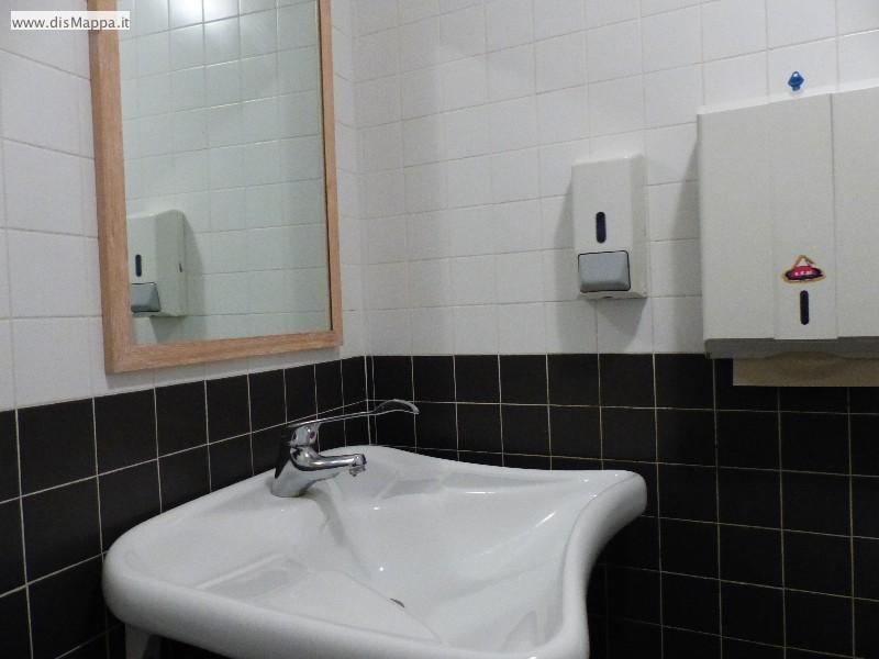 Lavabo  bagno disabili Pizzeria Ristorante Olivo, Verona